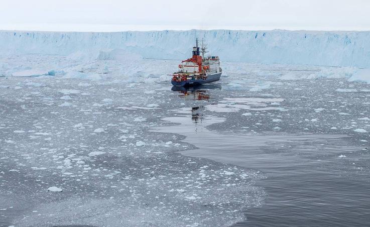 """Das deutsche Forschungsschiff """"Polarstern"""" kartographierte den Meeresboden vor dem Pine Island"""