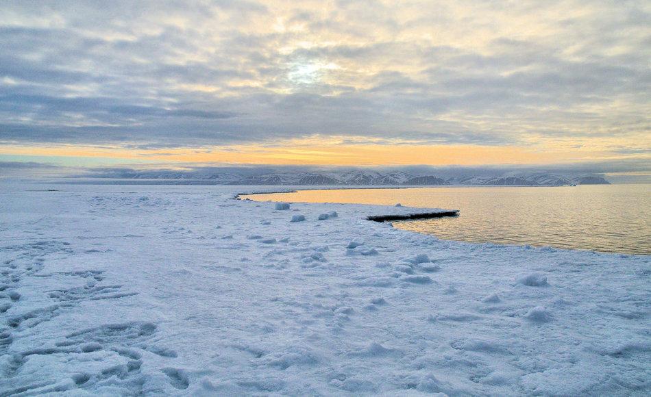 Der östliche Eingangsbereich der Nordwestpassage ist der Lancaster Sound, benannt nach James Lancaster, einem englischen Kapitän des 16. Jhd. Der Bereich ist rund 50 km breit und streckt sich von Baffin Island nach Devon Island. Bild: Michael Wenger